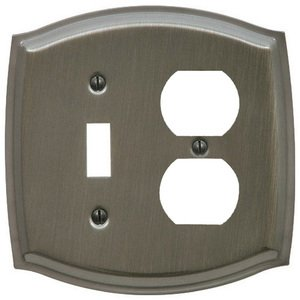 Baldwin Hardware - Single Toggle/Single Outlet Combination Colonial Switchplate in Antique Nickel