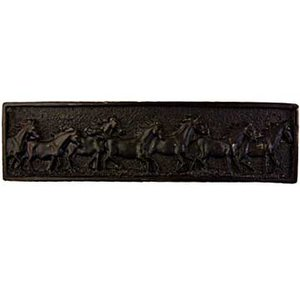 Sierra Lifestyles Running Horse Pull in Black
