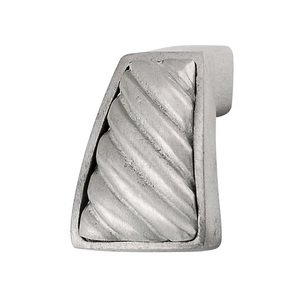 Vicenza Hardware Wavy Lines Finger Pull in Satin Nickel