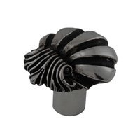 Vicenza Hardware - Mare - Large Shell Design Knob in Satin Nickel