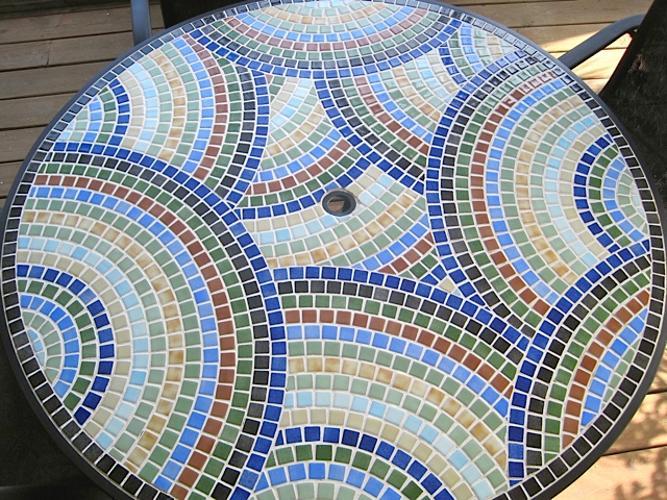 Nieblas Recycled Glass Tile Mesh Backed Sheet in Fog Black